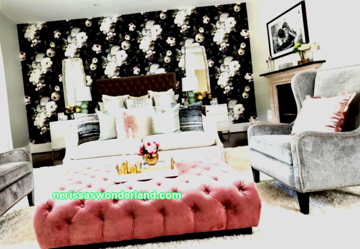 Pamper yourself and your bedroom with a color rework. This will cheer you up not only in the process of creating an interior, but also every morning. one