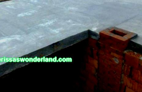 Reinforcement of a monolithic floor slab with steel reinforcement