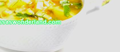 How to make delicious onion soup for weight loss. Recipes for a fat-burning first course, vegetable broth with the addition of olive oil. An approximate diet for 7-10 days to get rid of extra pounds. Pros and cons of diet food.