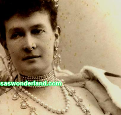 Vladimir tiara: why the Queen of Great Britain wears the crown of the House of Romanov